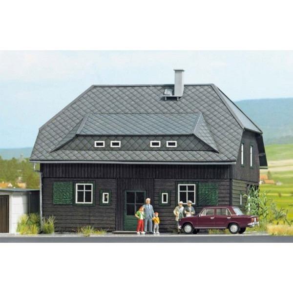 Dörfliches Wohnhaus, Holzbausatz